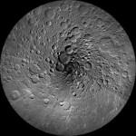 NASAからもらってきた写真:「月の北極」